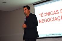 Palestra sobre técnicas de vendas abordou as estratégias necessárias para ser um bom negociador
